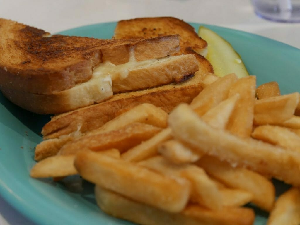 Fries and grilled cheese