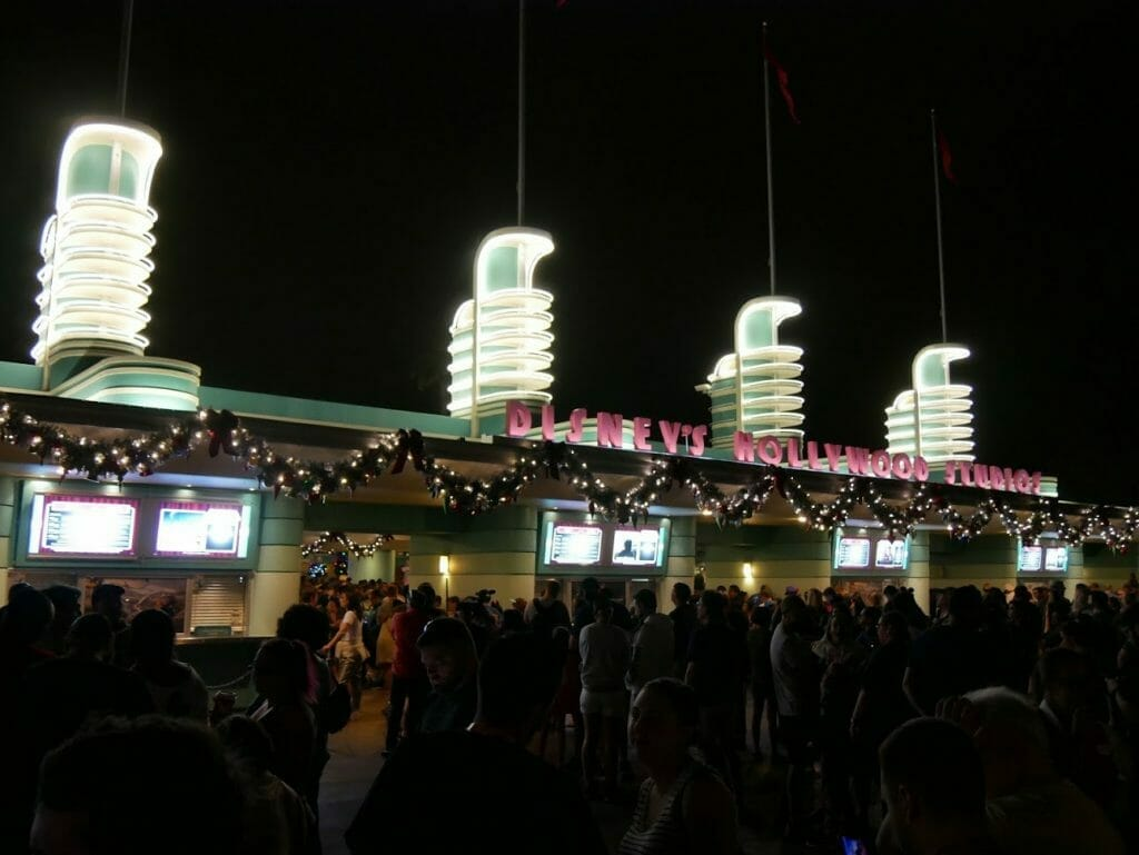 A line outside the entrance to Hollywood Studios very early in the morning