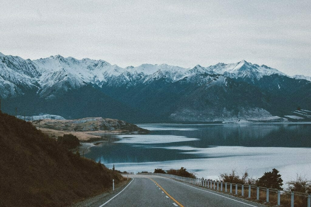alaska mountains and road