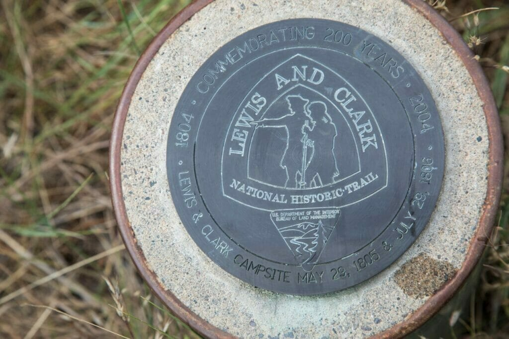 lewis and clark trail plaque