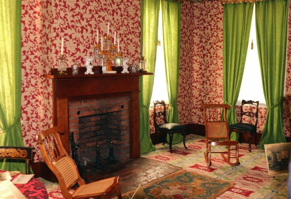 interior of Lincoln home living room